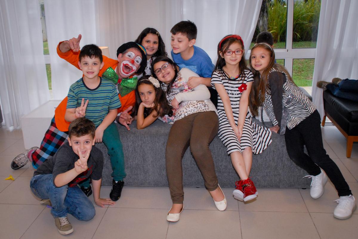 foto dos amigos na festa da brenda no Condomínio em Alphaville