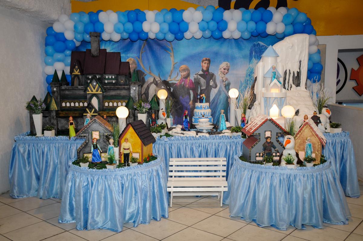 mesa temática Frozen no Buffet Fábrica da Alegria, Morumbi