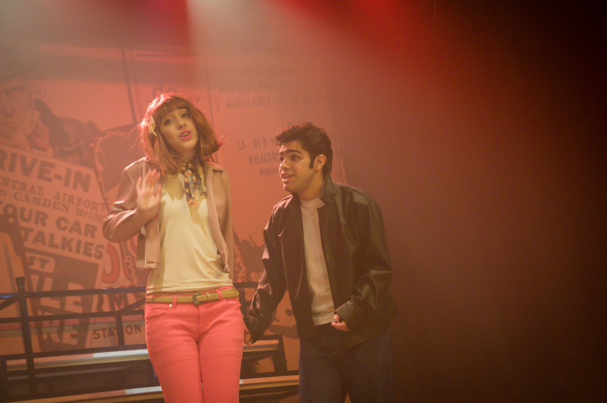 estavam todos animados com o espetáculo no Teatro, Musical no Butantã, São Paulo