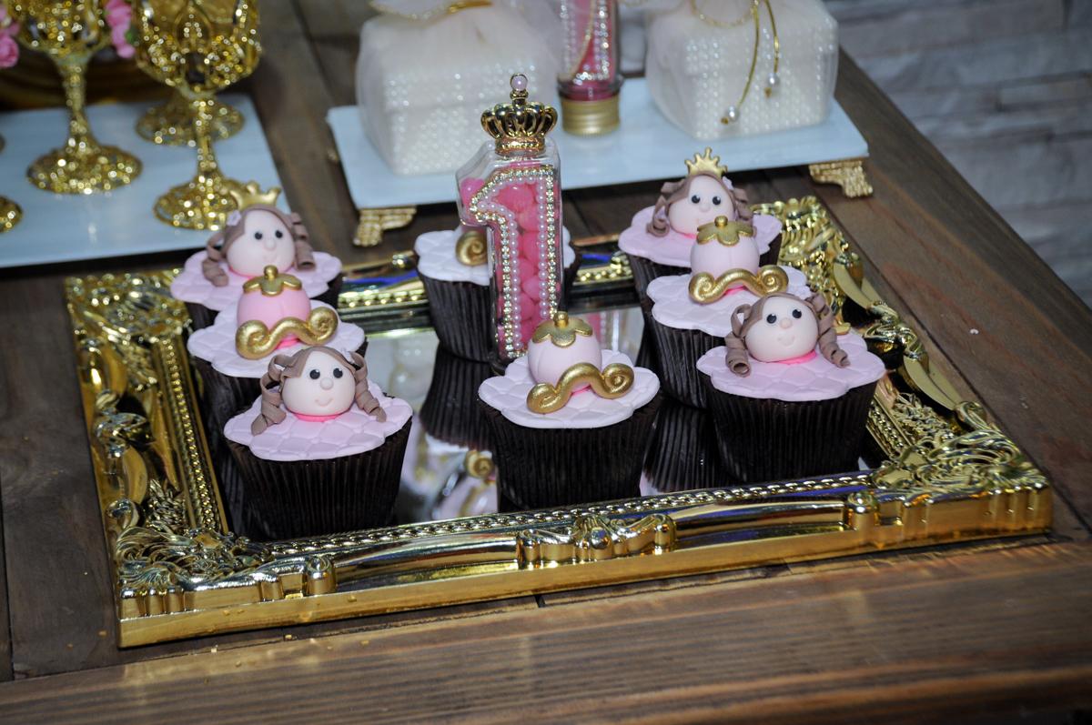detalhe da decoração no buffet amazing, alphaville,sp, tema da mesa bonecas princesas