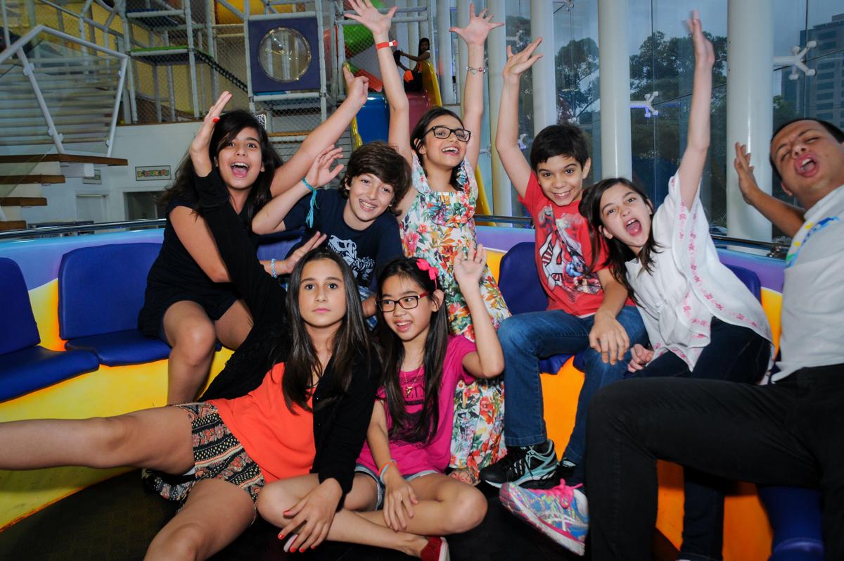 reunião dos amigos com a aniversariante no Buffet Max Mania, Panambi, Sp, tema da festa Monster High