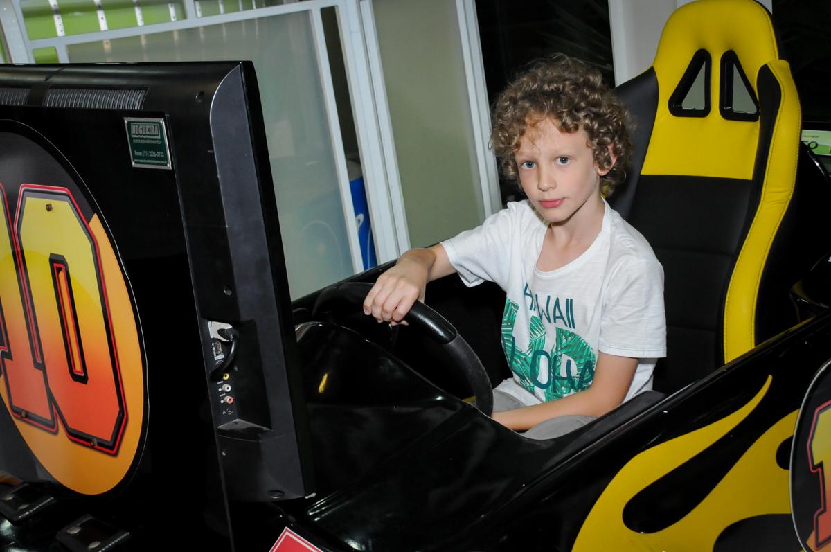 o carrinho de corrida é muito legal no Buffet Max Mania, Panambi, Sp, tema da festa Monster High