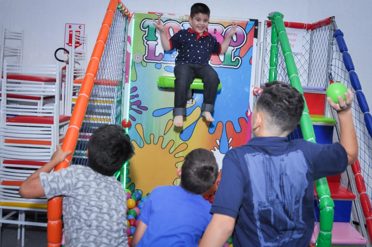 quem vai cair no tombo legal na Festa de Maria Eduarda 1 aninho, tema minie vermelha, Buffet Mundo Kids, Osasco São Paulo
