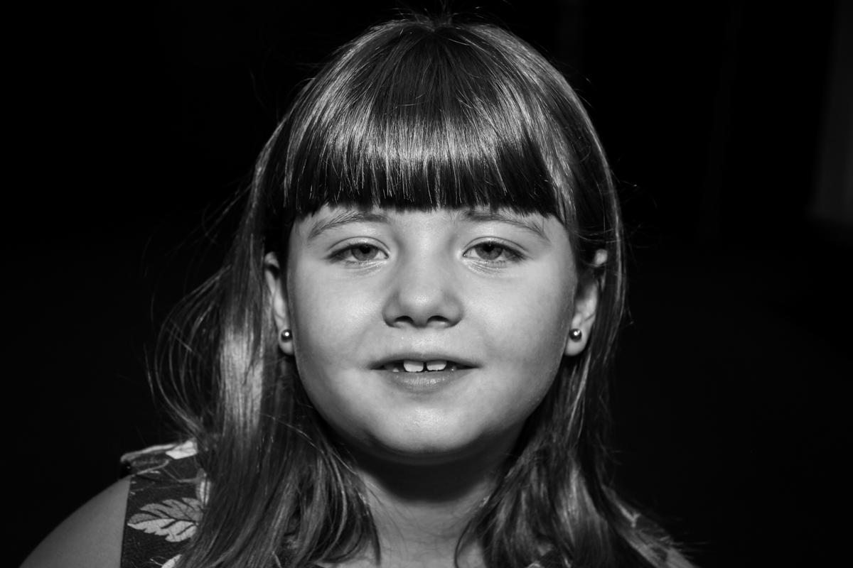 foto close de rosto na Festa infantil, Sophia 6 anos Buffet O Galpão, Pinheiros, SP, tema da festa Os enrolados