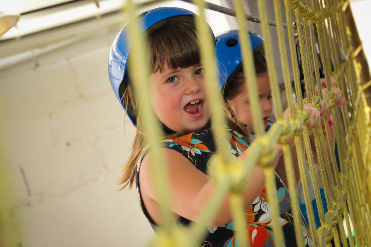 gargalhada da aniversariante na Festa infantil, Sophia 6 anos Buffet O Galpão, Pinheiros, SP, tema da festa Os enrolados