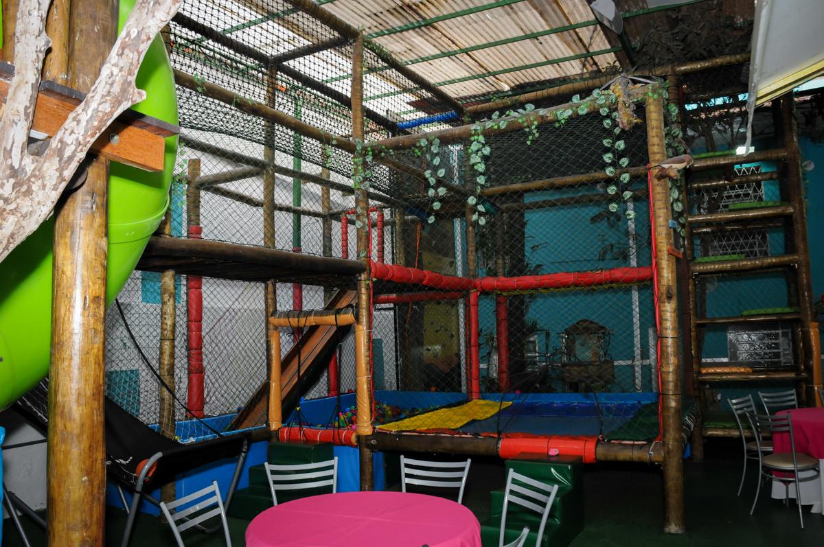 área dos brinquedos no Buffet A turma do Haroldo, Higienópolis, SP festa infantil Beatriz e Marina 6 anos