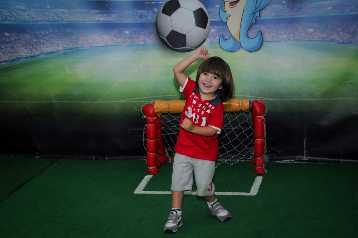 O futebol também acontece no Buffet A turma do Haroldo, Higienópolis, SP festa infantil Beatriz e Marina 6 anos
