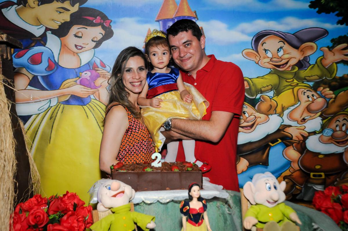 final de festa família feliz na aniversário infantil, nathália 2 anos,tema da mesa branca de neve, buffet magic joy, moema, sp