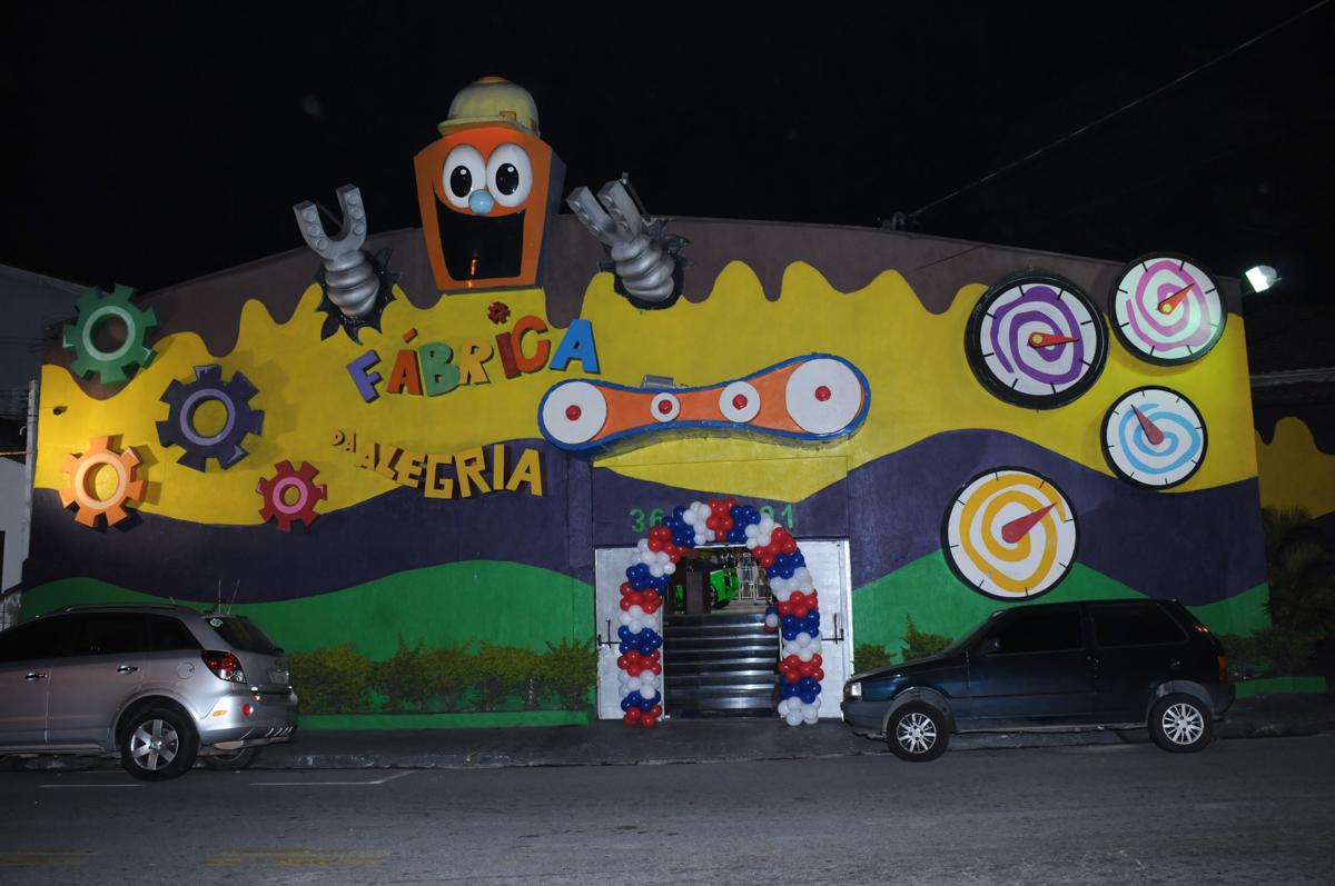 festa infantil,aniversário de eduardo 5 ano, buffet fábrica da alegria,osasco,sp,tema da mesa os vingadores