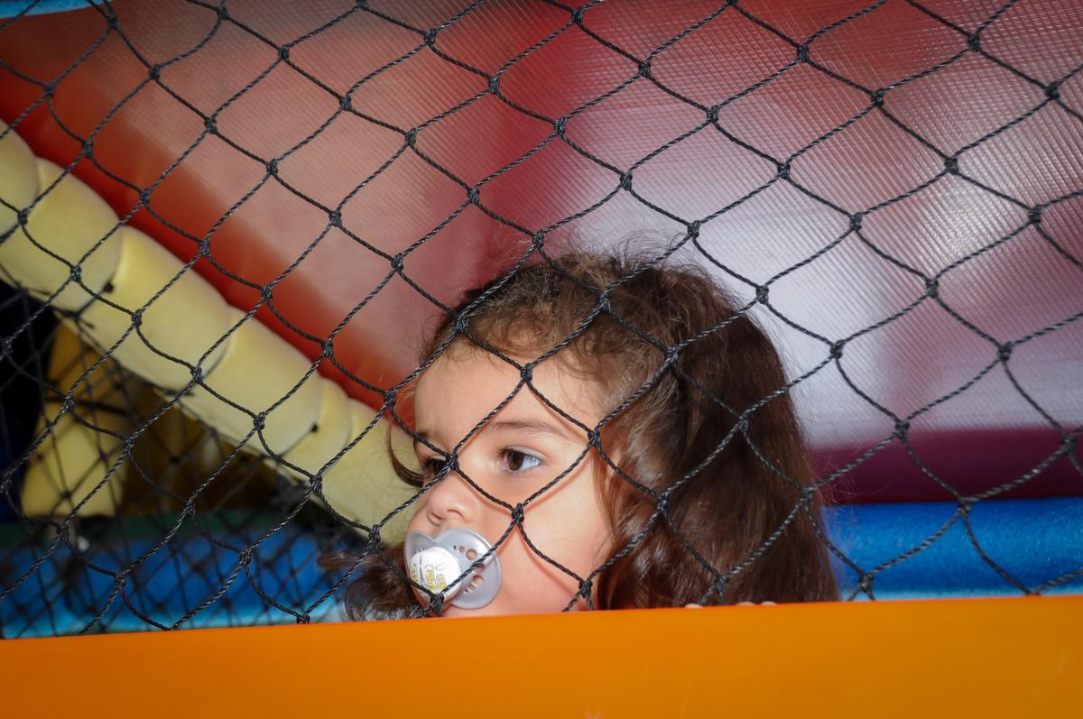 bagunca no brinquedao no Buffet Fantastic World, Morumbi, SP, festa de aniversario de Isabela 2 anos, tema da festa Pepa Pig