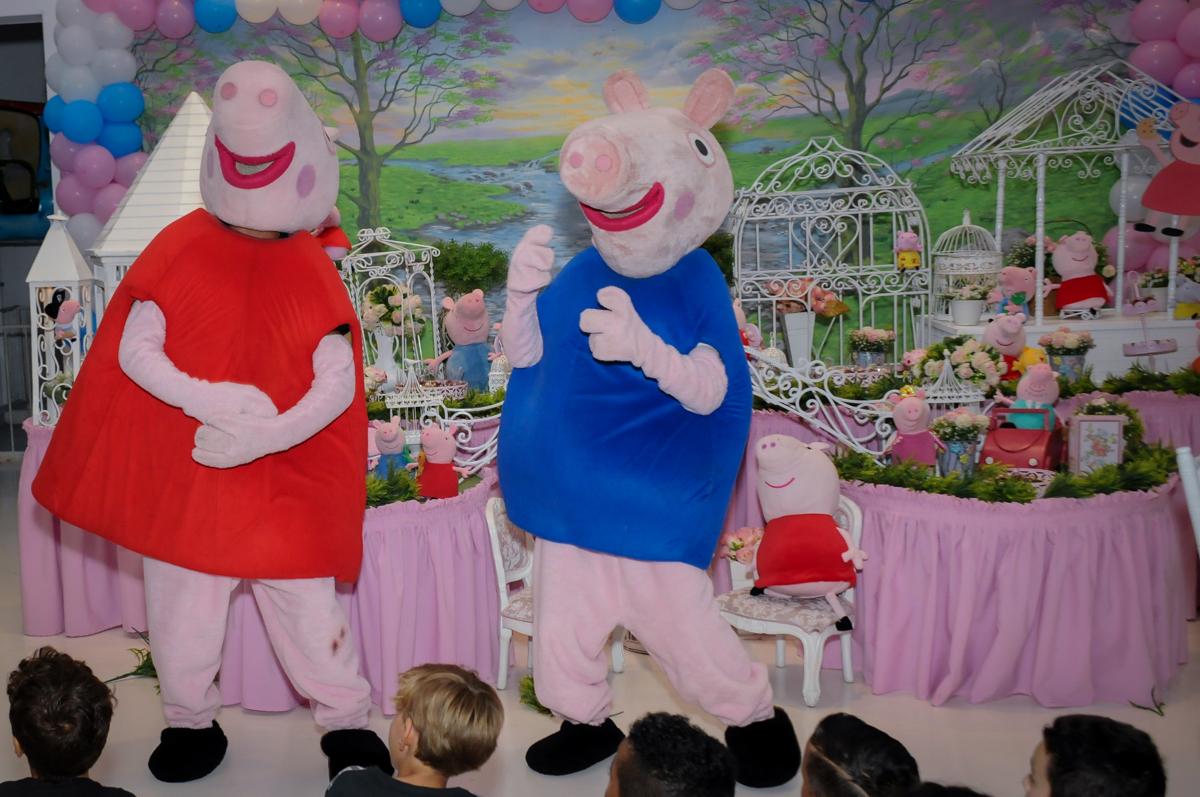show da peppa pig no Buffet Fantastic World, Morumbi, SP, festa de aniversario de Isabela 2 anos, tema da festa Pepa Pig