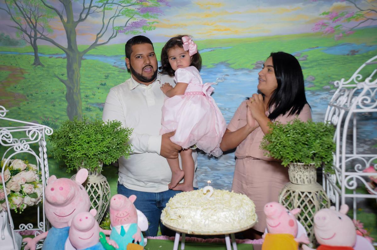 hora de cantar parabens no Buffet Fantastic World, Morumbi, SP, festa de aniversario de Isabela 2 anos, tema da festa Pepa Pig