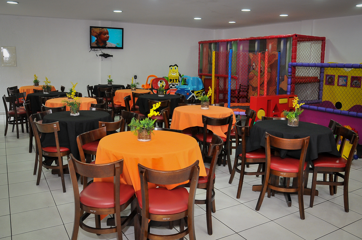 salão do Buffet Megauê, Moema, SP, festa de aniversário infantil de Eduardo 5 anos, tema da festa Weloween