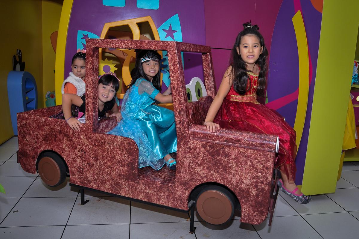 pose para a foto no carrinho no Buffet Megauê, Moema, SP, festa de aniversário infantil de Eduardo 5 anos, tema da festa Weloween