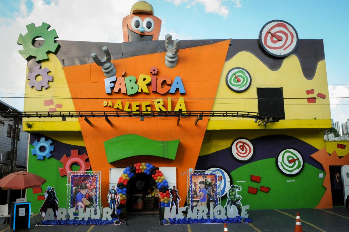 Buffet Fábrica da Alegria Morumbi, fotografia infantil da festa de aniversário de Arthur Henrique 4 anos tema os vingadores
