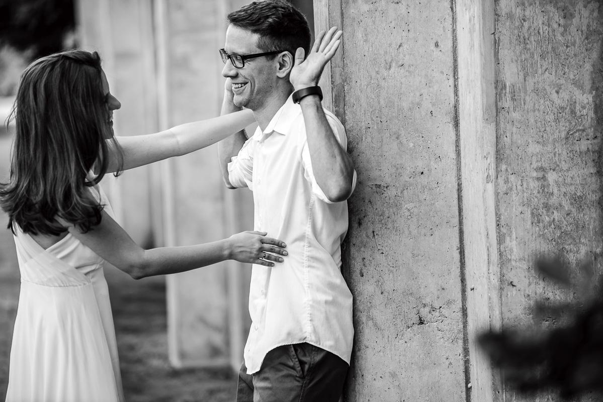 momento decisivo do casal no ensaio dos noivos