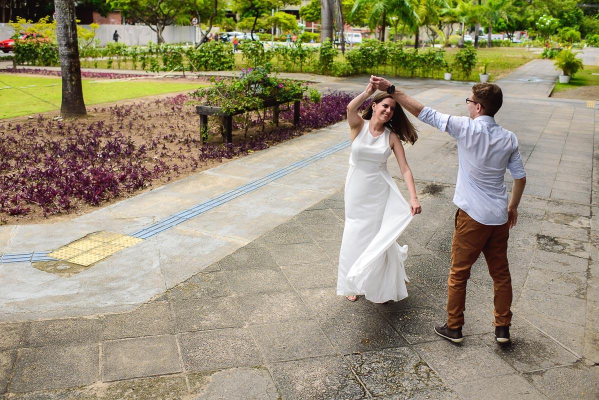 dança dos noivos no ensaio preparativo para o casamento