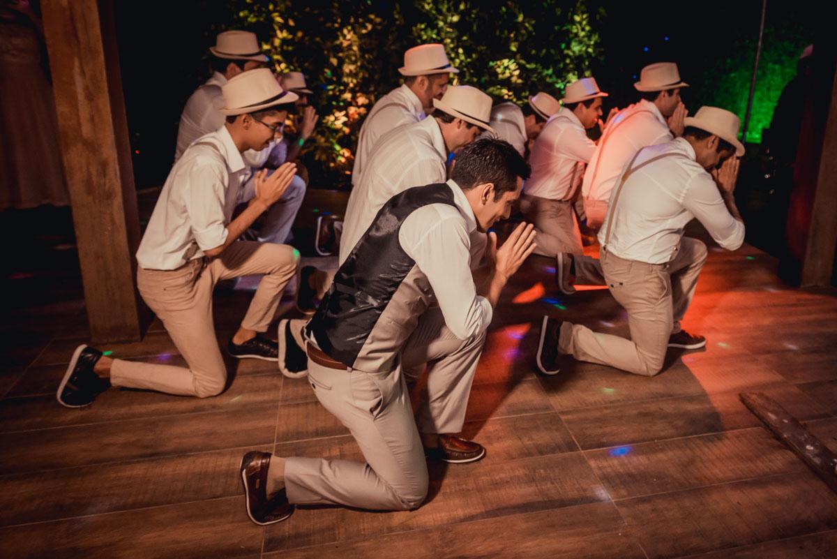 dança do noivo e padrinhos