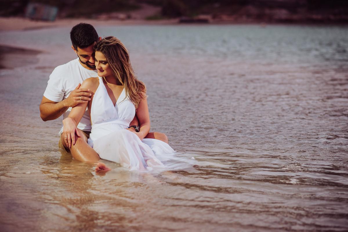 Ensaio na praia no rio e no mar