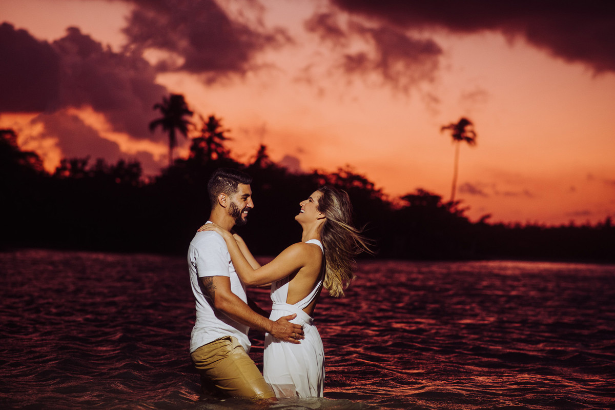 melhor por do sol para ensaios de casamento