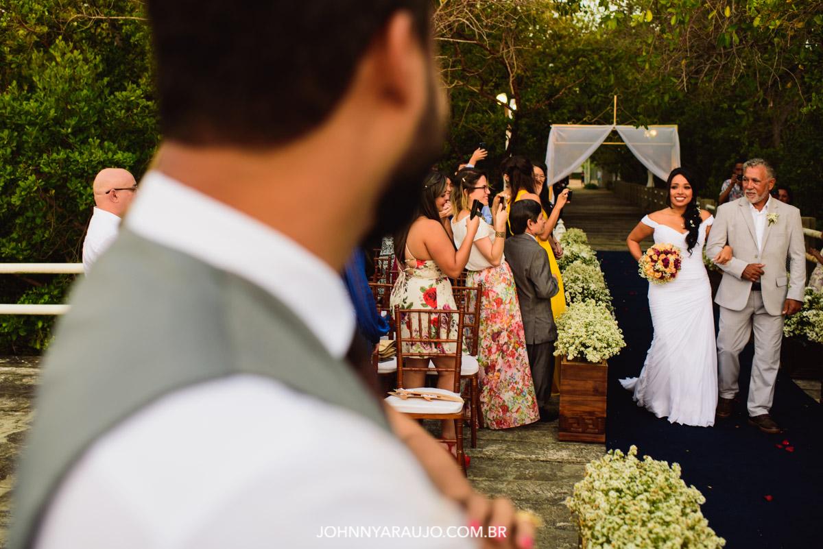esperando a noiva ate o altar