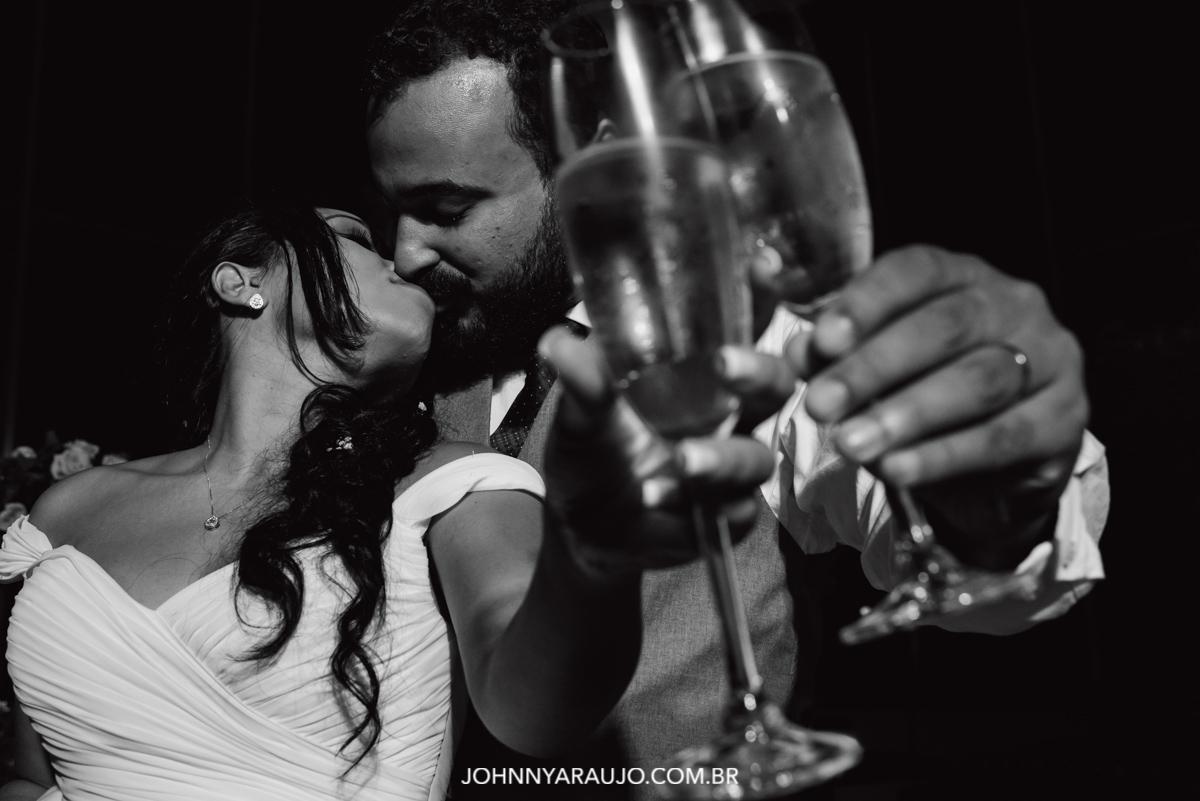 o brinde dos recém-casados