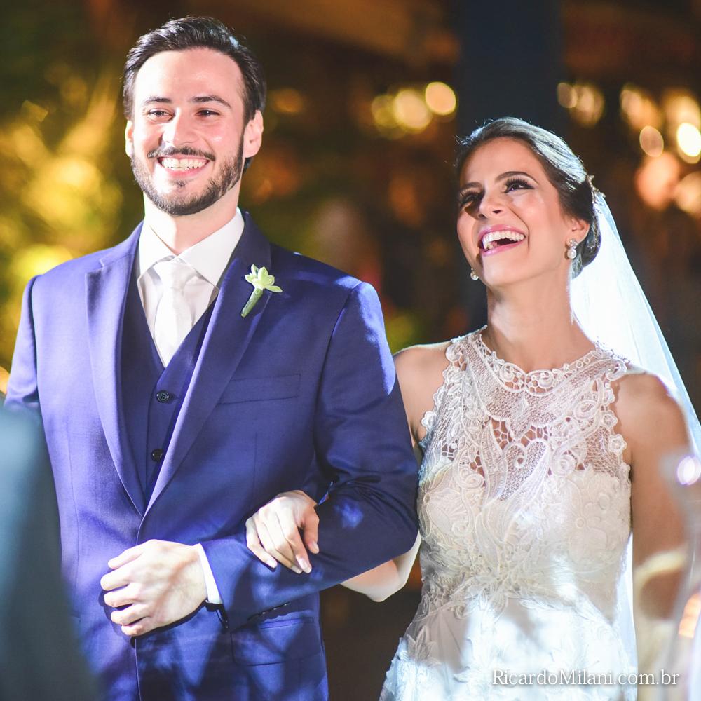 O casal Elisa e Vinicius em momento de alegria.