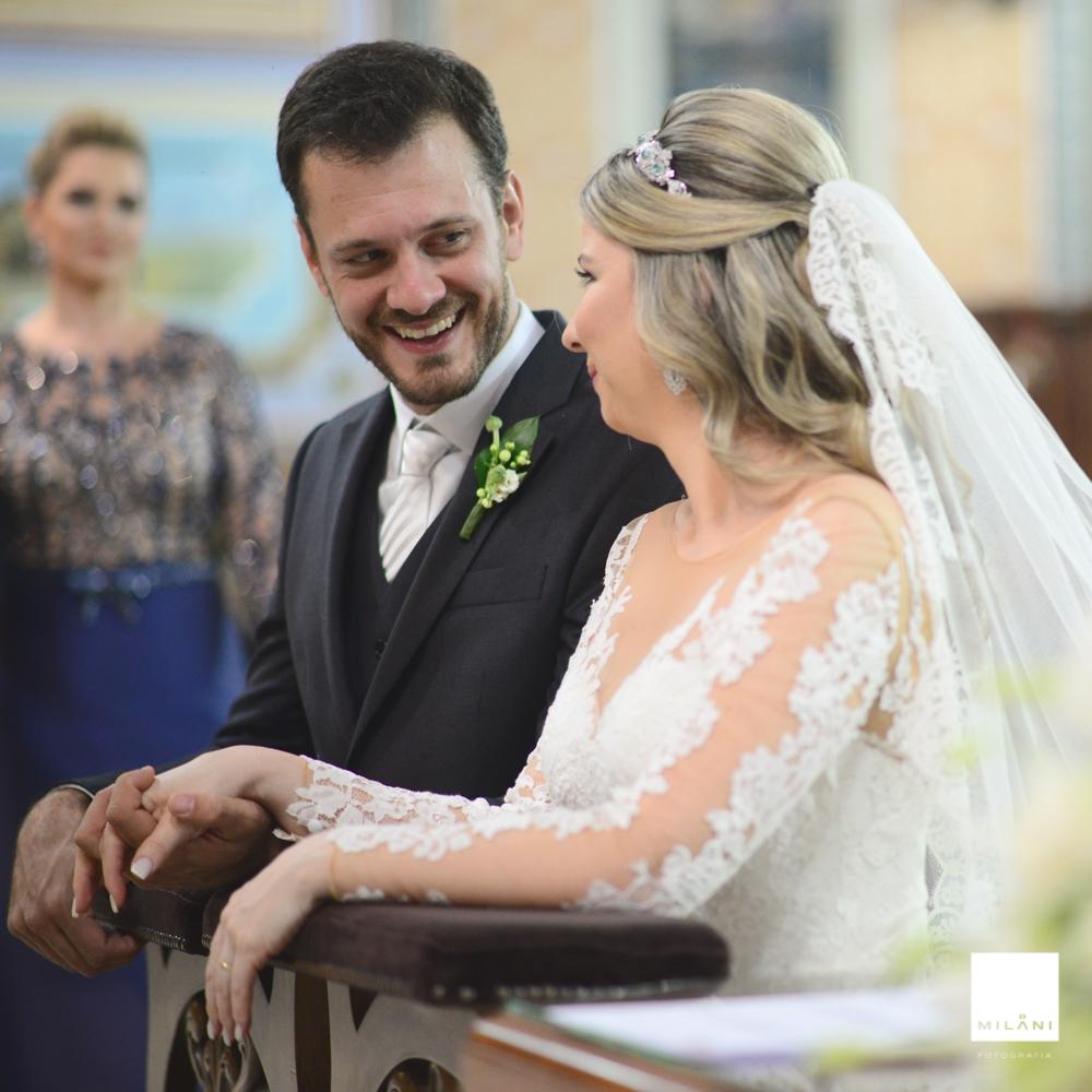 o sorriso do noivo pra noiva momento lindo