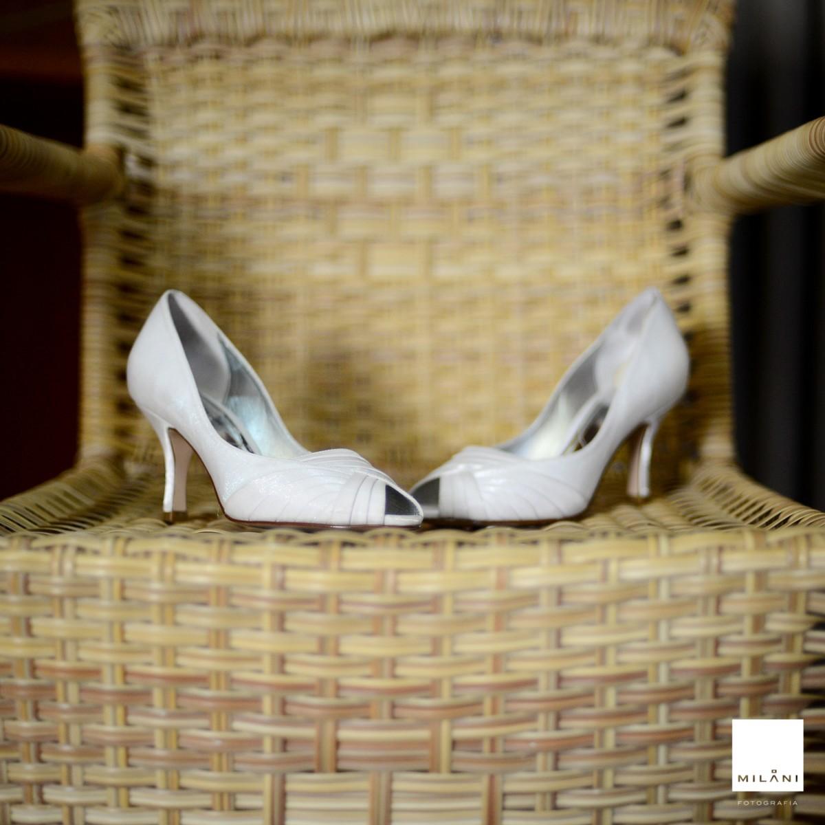 detalhe do sapato da noiva