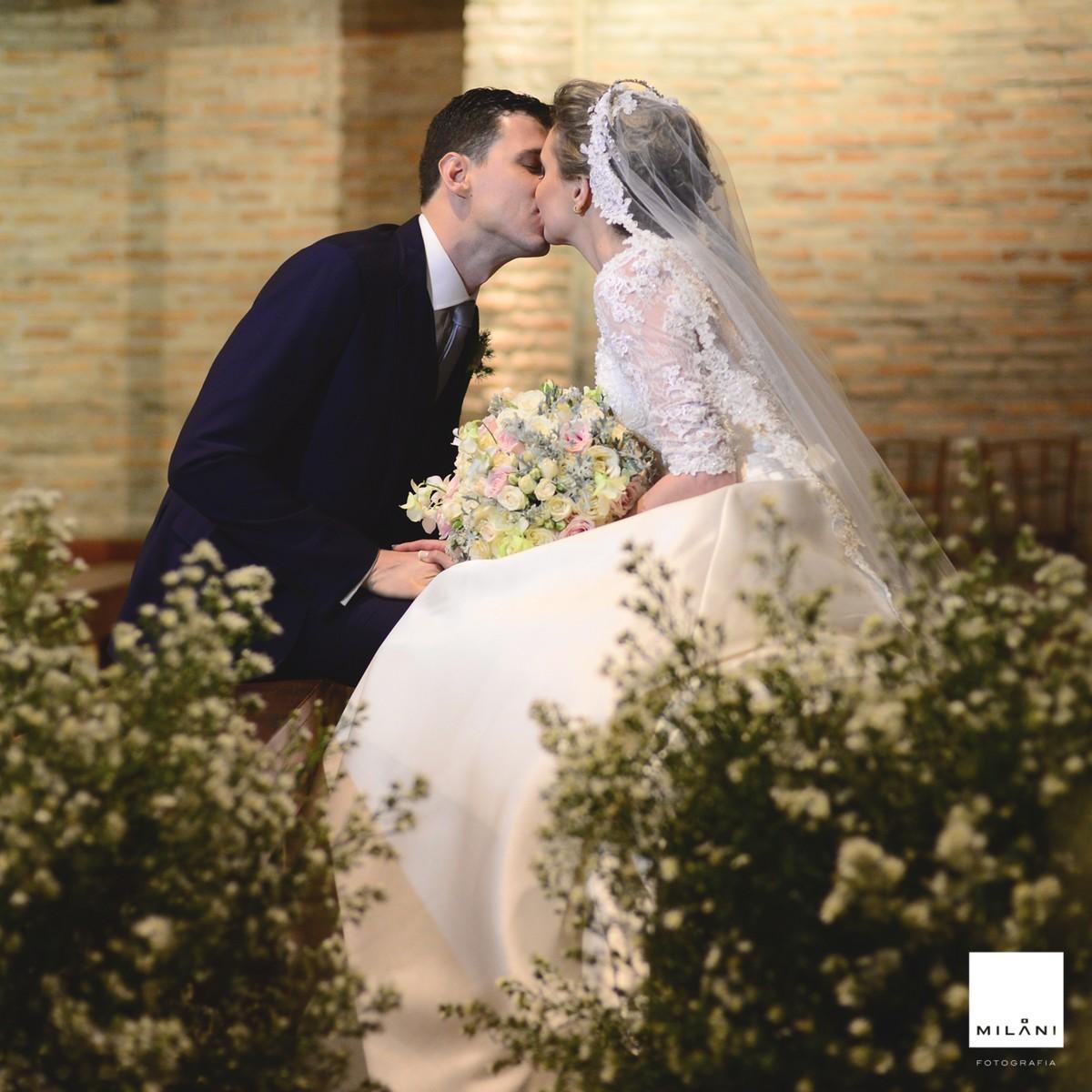 Mais um beijo do casal