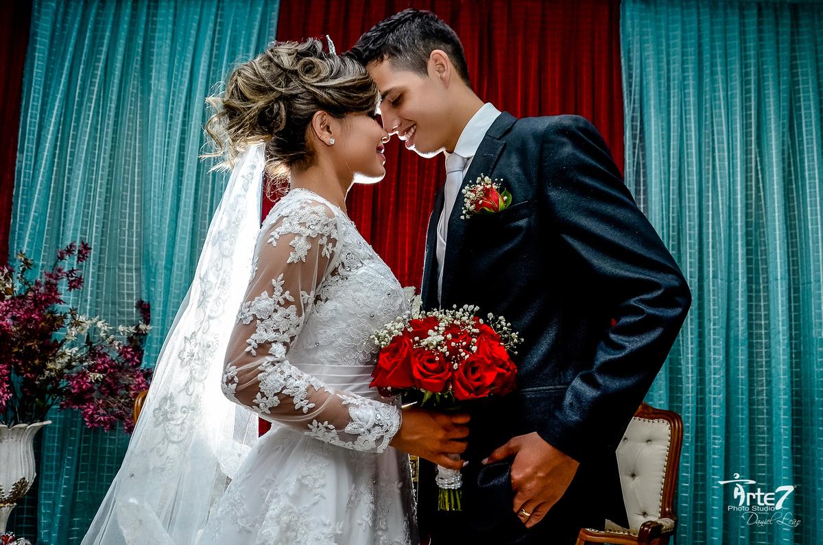 Imagem capa - 15 vantagens de se casar aos vinte e poucos anos por Arte7Criaçoes