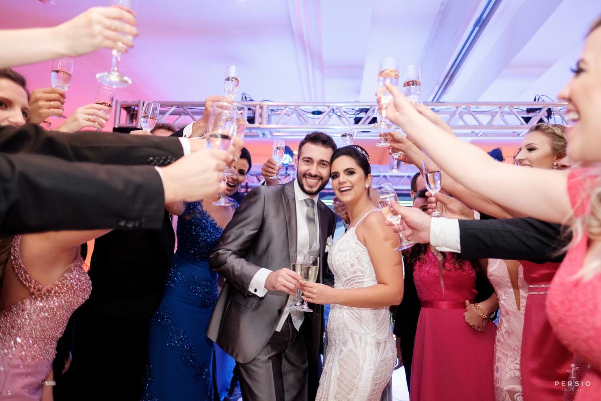 Imagem capa - Por que um bom planejamento é importante na hora de organizar um casamento? por Raphaela e Heliel Persio