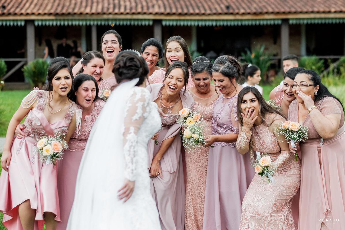 Imagem capa - 4 benefícios que um fotógrafo pode trazer para a sua festa de casamento por Raphaela e Heliel Persio