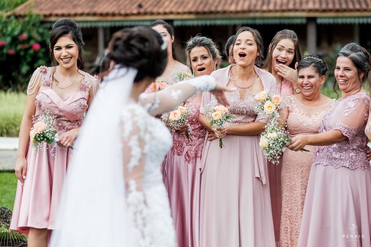 Imagem capa - Afinal, quais as principais funções dos padrinhos na vida dos noivos? por Raphaela e Heliel Persio