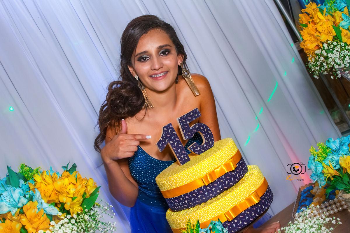 Fotos tiradas por Lu Galdi Fotografia , na cidade de Piracicaba ,aniversario 15 anos , Milena Oliveria, registrando seus melhores momentosbutante , f
