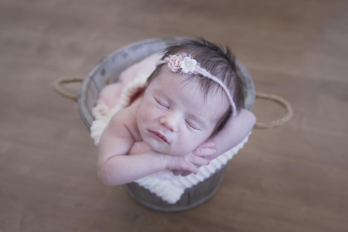 Imagem capa - Com quantos dias devo fazer as fotos newborn do meu filho? por Amanda Predebon Inke