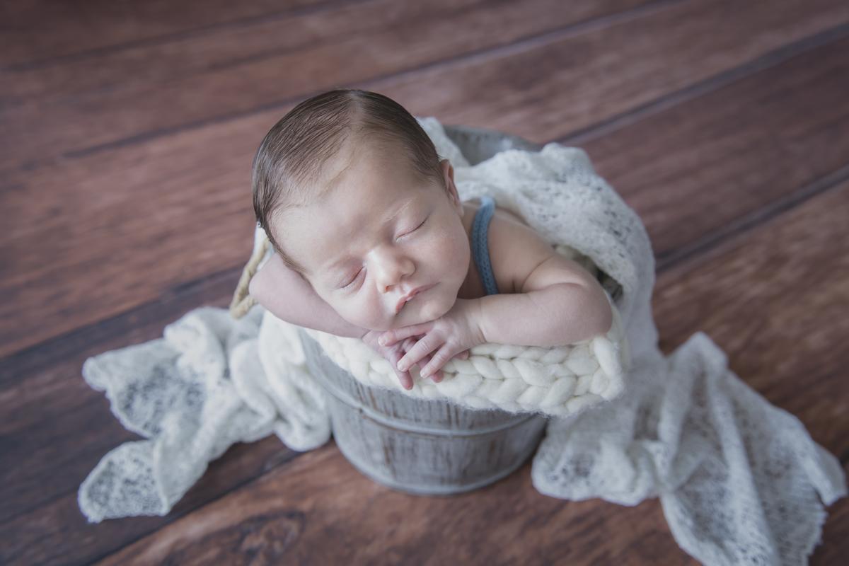 Imagem capa - Você sabe o que é a fotografia newborn? por Amanda Predebon Inke