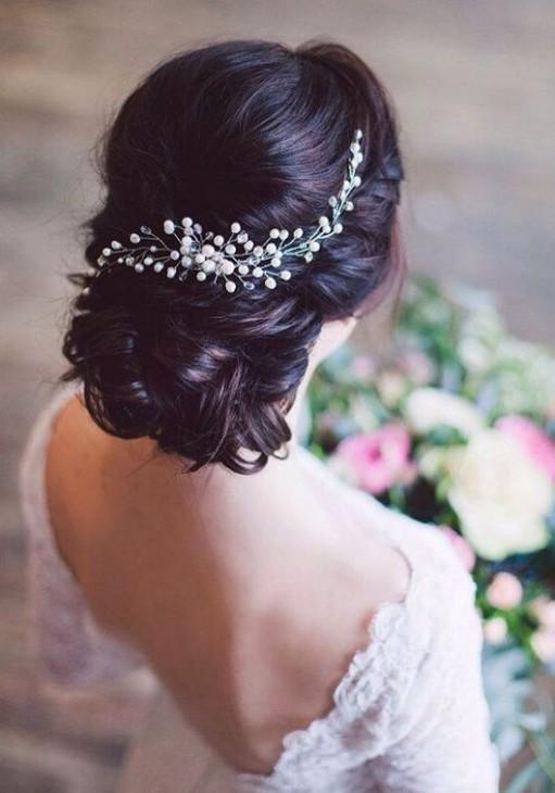 Imagem capa -  Penteados incríveis para noivas com cabelos escuros por vinicius henrique ricardo