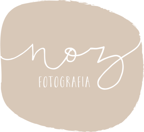Logotipo de Carol Dias