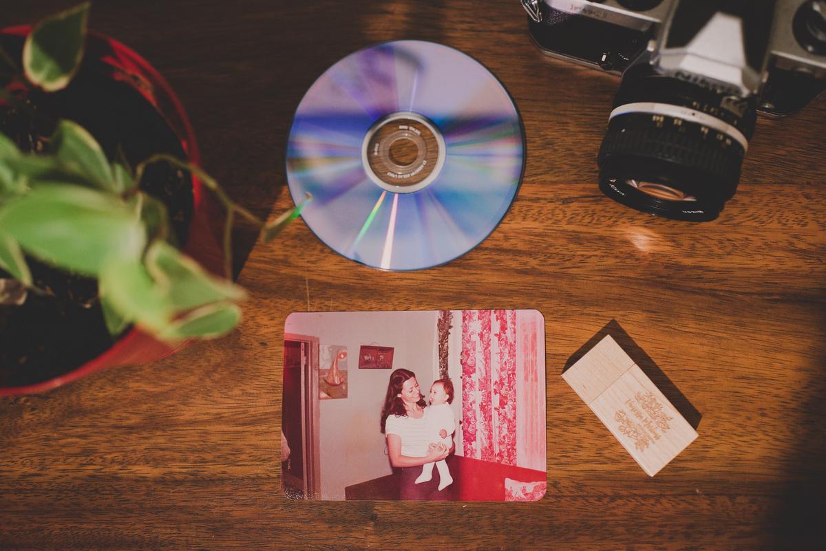 Imagem capa - Lugar de foto é no papel por Vanessa Martins