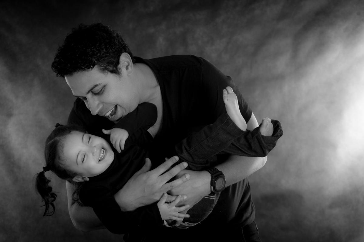 Imagem capa -  Por que gostamos de fazer retratos de famílias? por Leão Studio Serviços Fotográfico