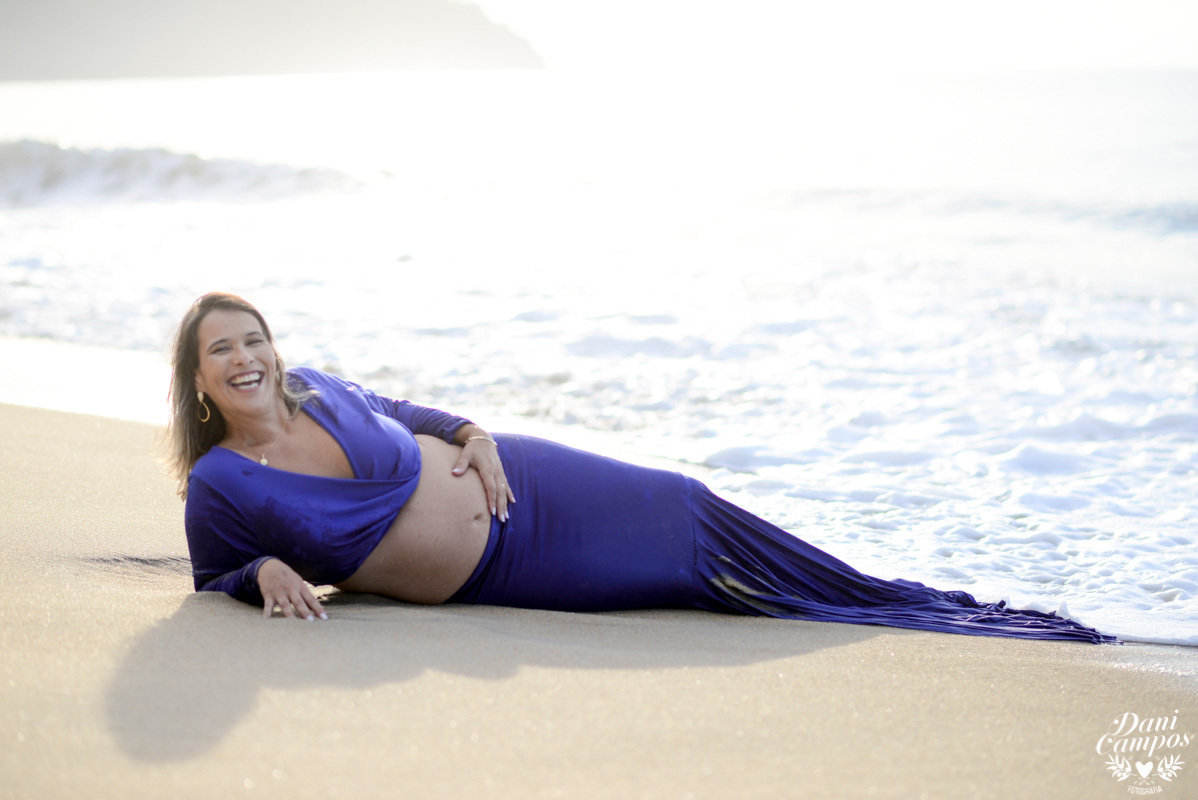 ensaio fotográfico gestante gravida na praia ensaio gravidez praia beach dani campos fotografia maternidade fotografos no litoral fotografo de familia nascer do sol na