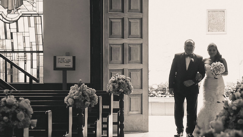 Imagem capa - La entrega del padre, discurso en la iglesia por Edward Bolívar Sánchez