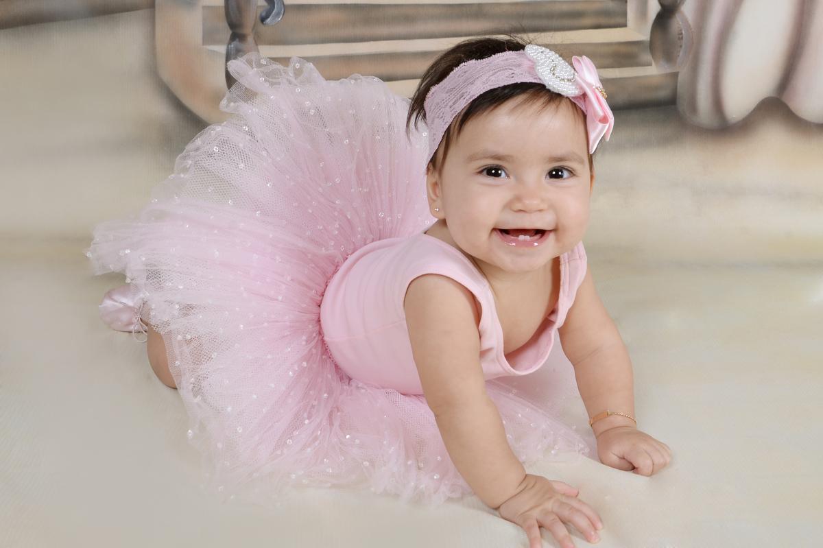 Imagem capa - Qual o melhor horário para fazer o Ensaio Fotográfico do Meu Bebê? por Regina Cazonatto