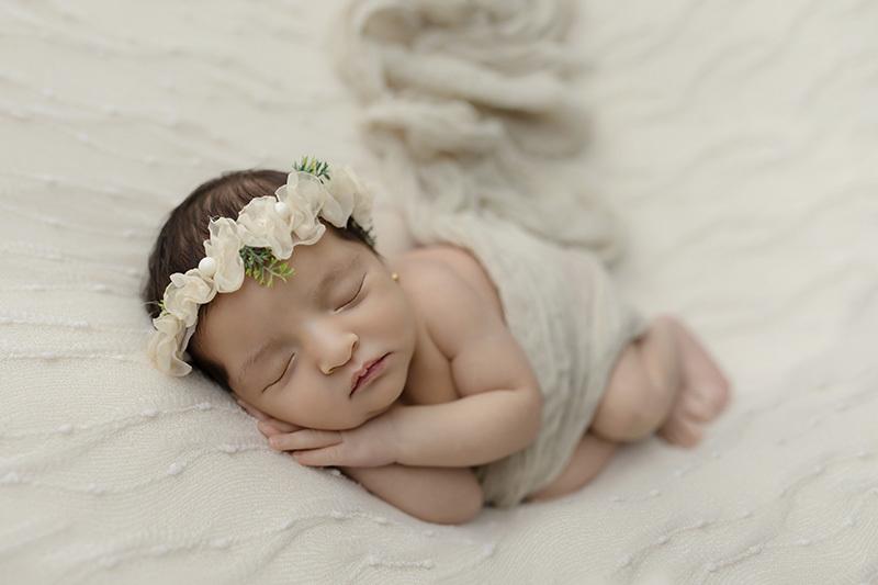 Imagem capa - 5 motivos para fazer o Ensaio Newborn por Charlene Mascarenhas