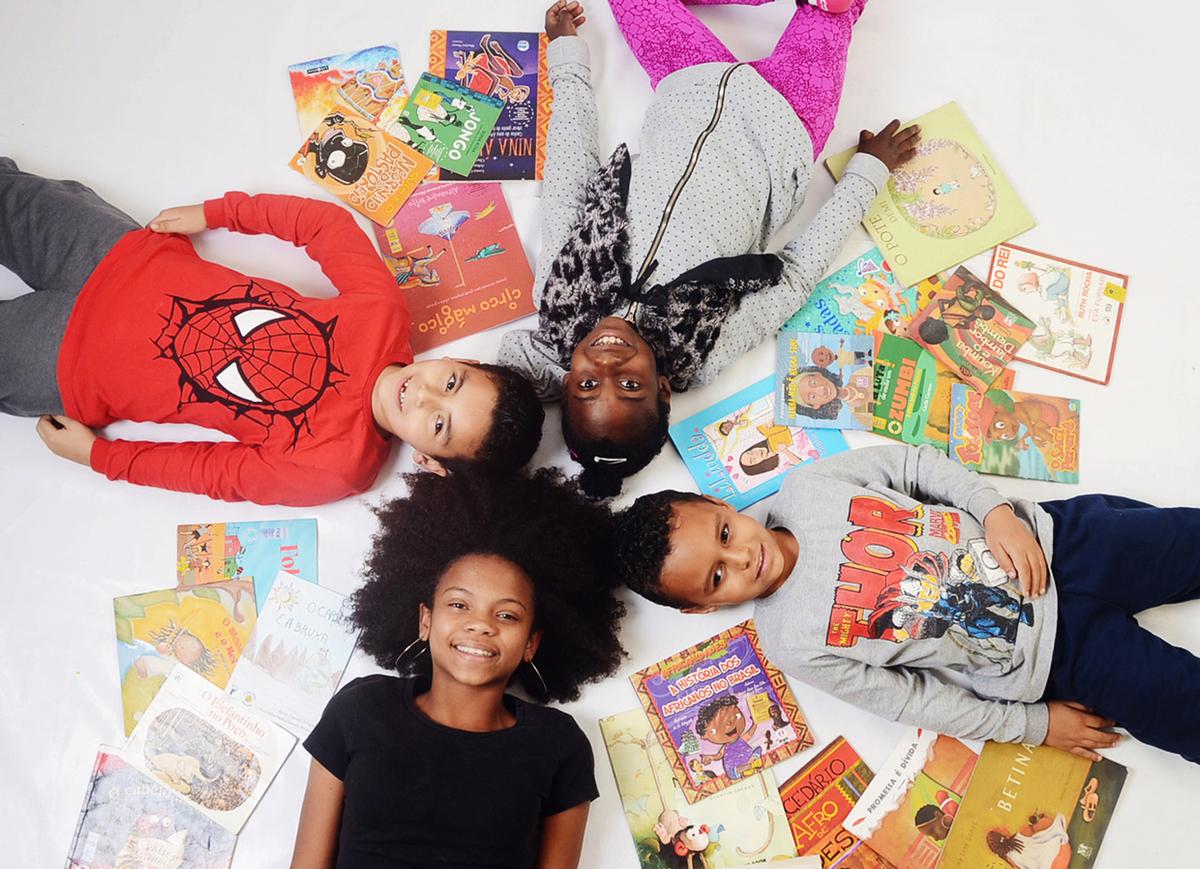 Imagem capa - Leitura, um prazer em todas as idades! por Tina Fon