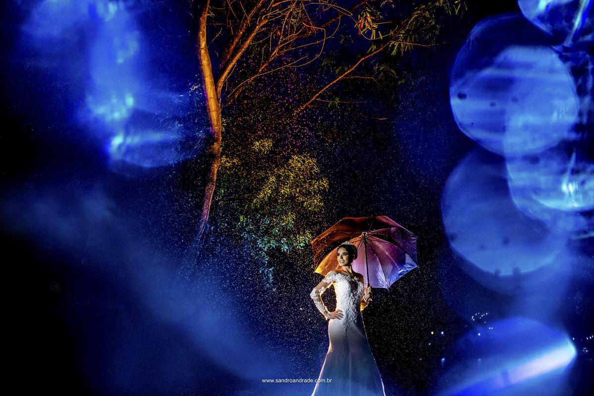 Com boken, mais uma imagem diferenciada da noiva com a chuva, dupla exposição show.