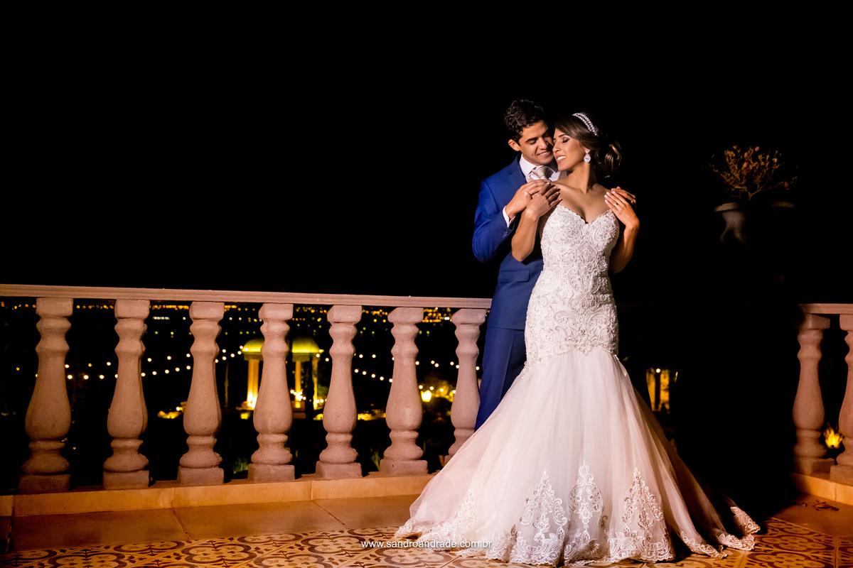 Muito lindo e apaixonado, esse casal foi feito um para o outro e ambos para DEUS.
