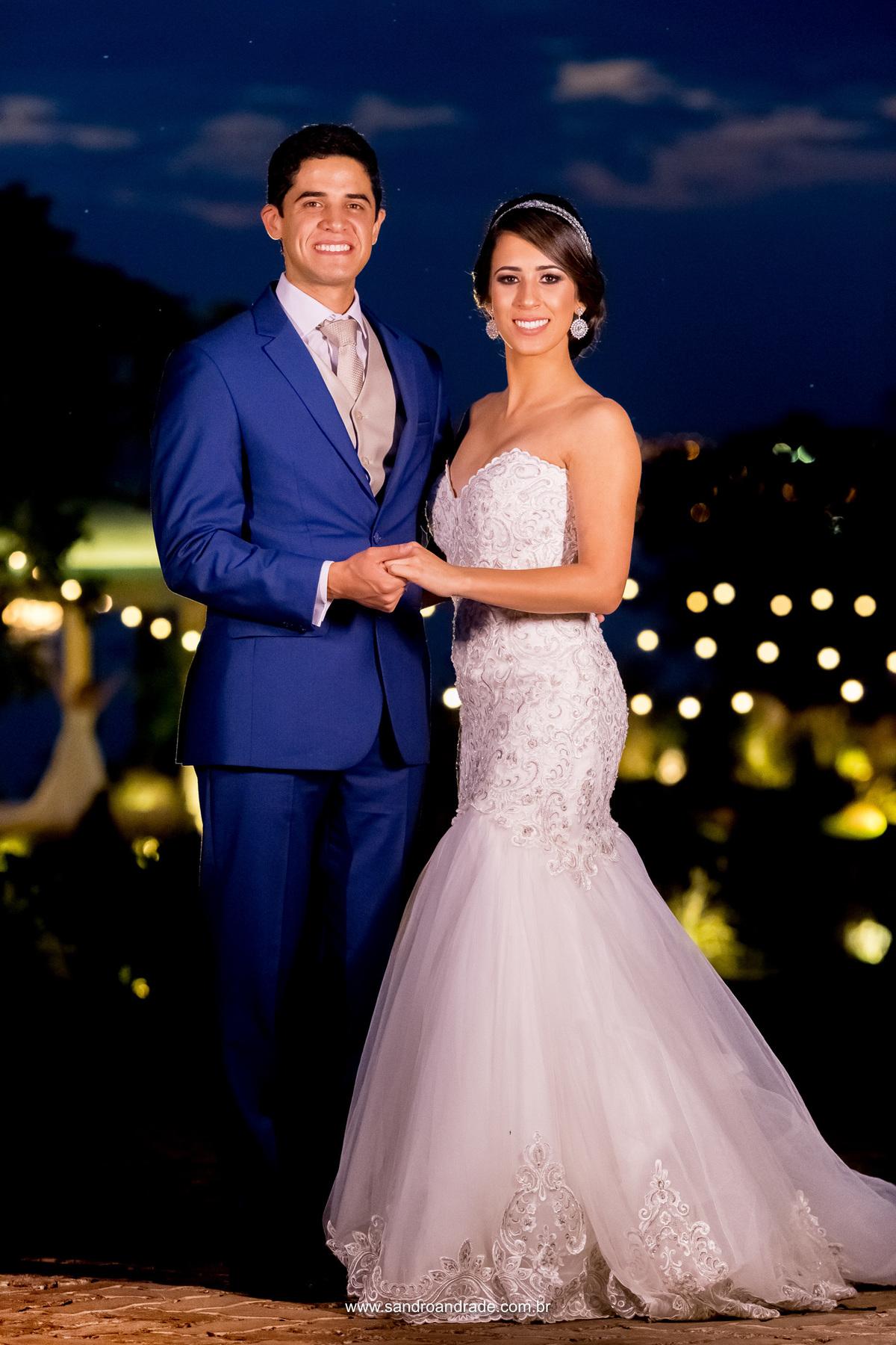 Lindos, um casal maravilhoso, retrato dos noivos feito por Sandro Andrade, fotografo de casamento BSB DF. Parece até fotografia da realeza, rsrs