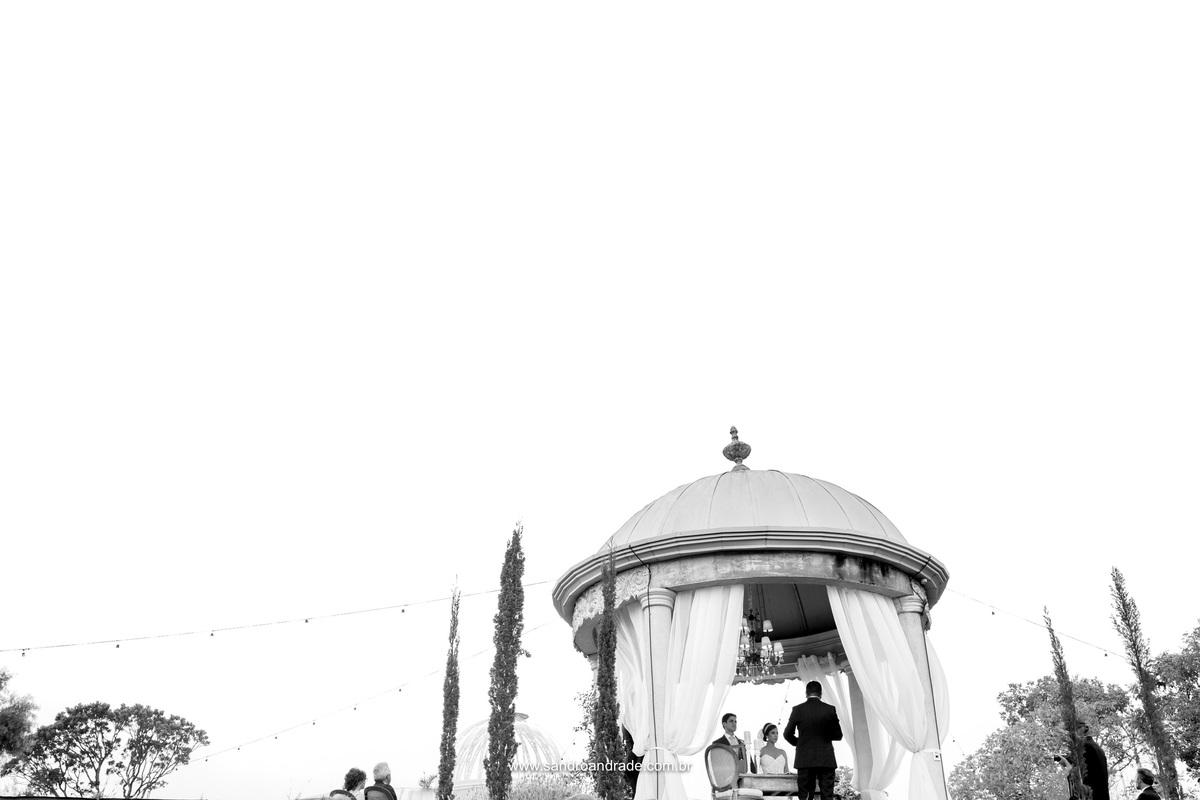 De um angulo diferente Sandro Andrade faz esta fotografia preto e branco, linda fotografia desse talentoso artista de Brasília.
